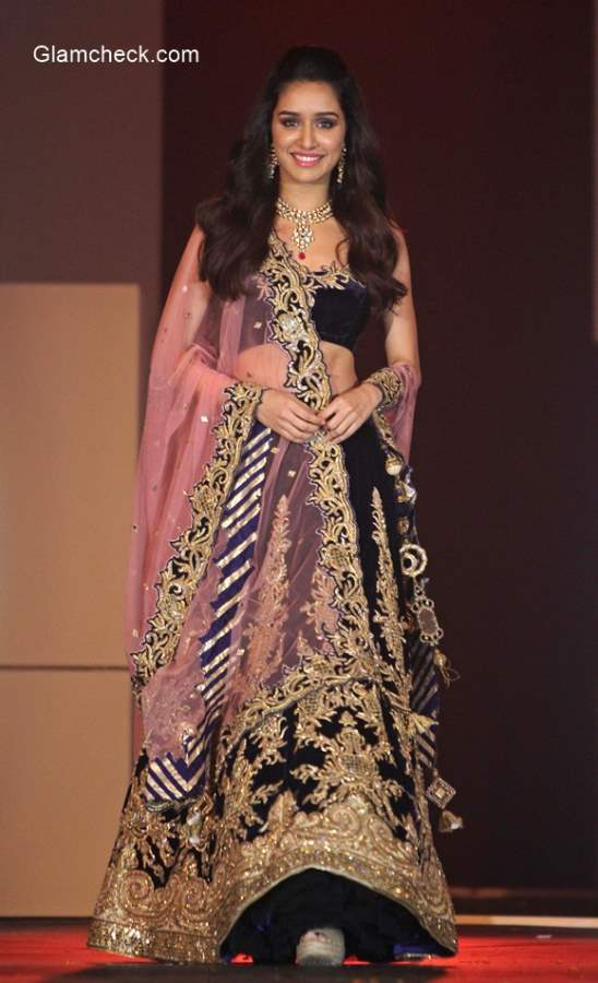 Shradda Kapoor at the IBJA Archana Kochhar outfit and Gitanjali jewelleries