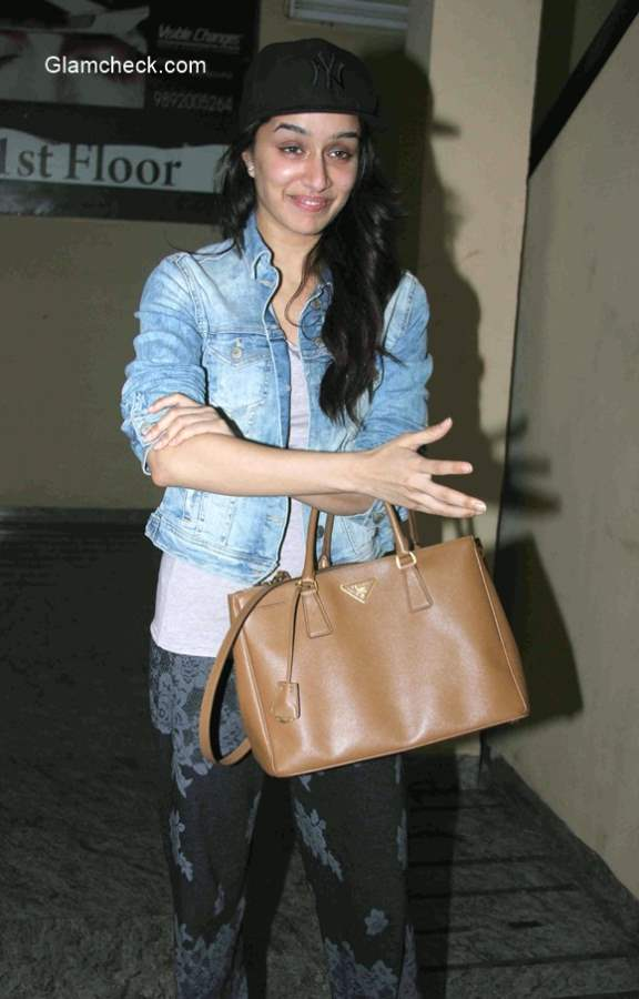 Shraddha Kapoor spotted without makeup
