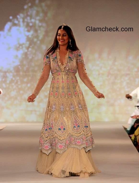 Sonakshi Sinha for Tarun Tahiliani 2014 Sahachari Foundation show