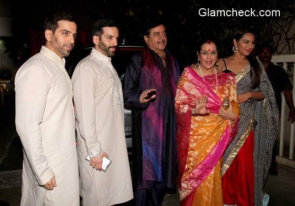 Sonakshi Sinha with her family at Amitabh Bachchan Diwaly Party