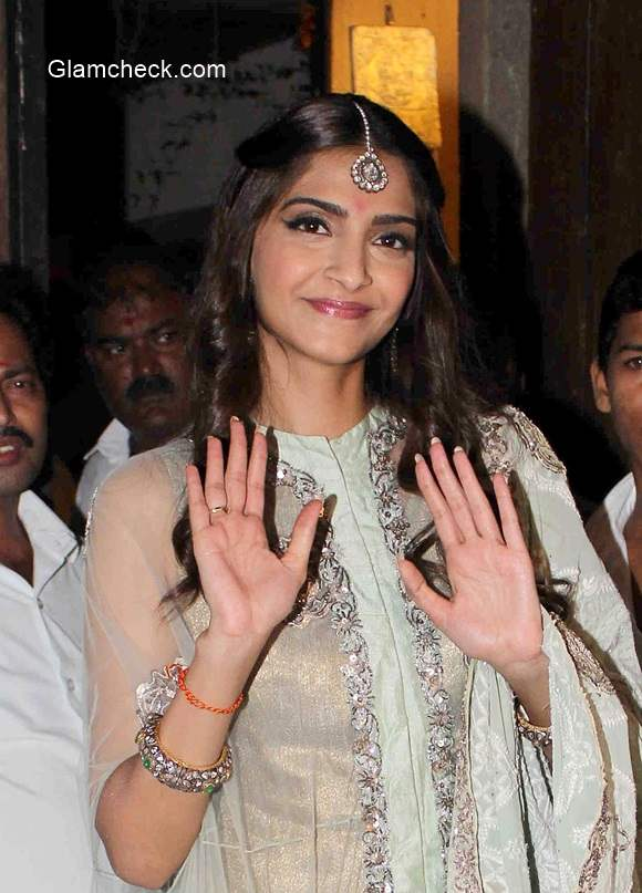 Sonam Kapoor 2014 Diwali celebration