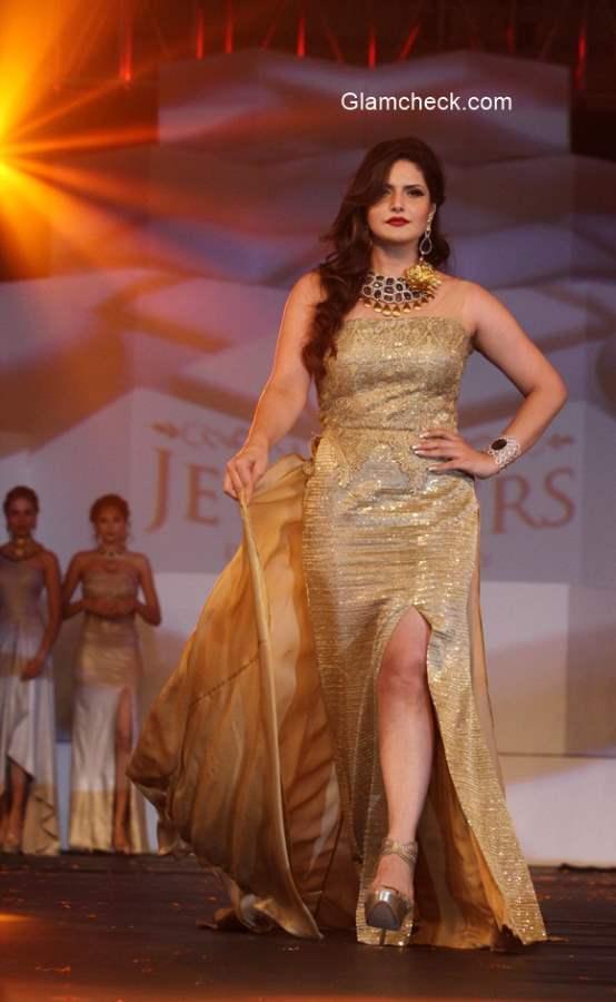 Zarine Khan walks the ramp in Amy Billimoria outfit