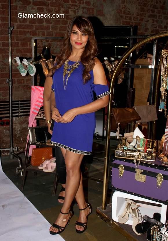 Bipasha Basu 2014 in blue dress