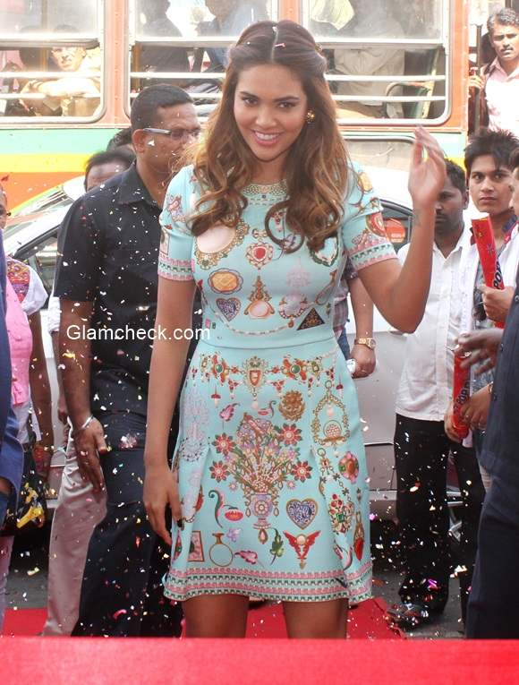 Esha Gupta inaugurates Bata store in Mumbai