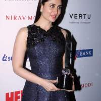 Kareena Kapoor at HELLO Hall of fame awards 2014