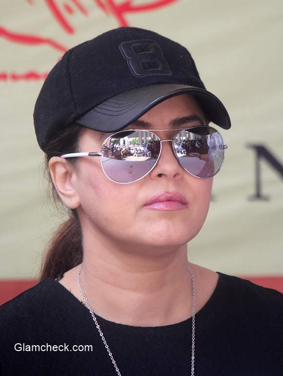 Mahima Chaudhry 2014 participates in Swachh Bharat Abhiyan
