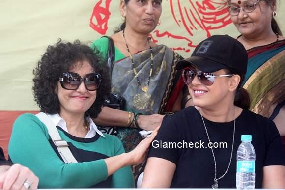 Manisha Koirala and Mahima participate in Swachh Bharat Abhiyan