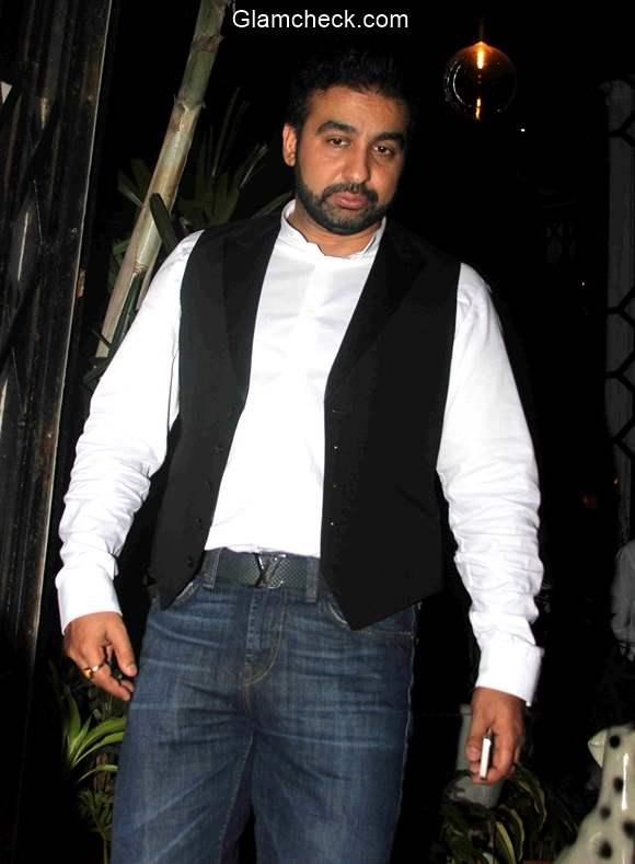 Shilpa Shetty Raj Kundra spotted outside a restaurant