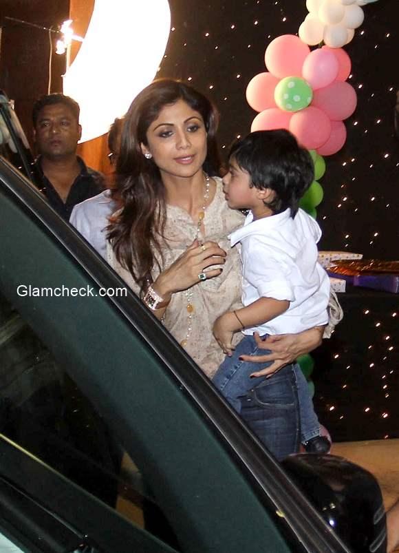Shilpa Shetty along with her son Viaan Raj Kundra