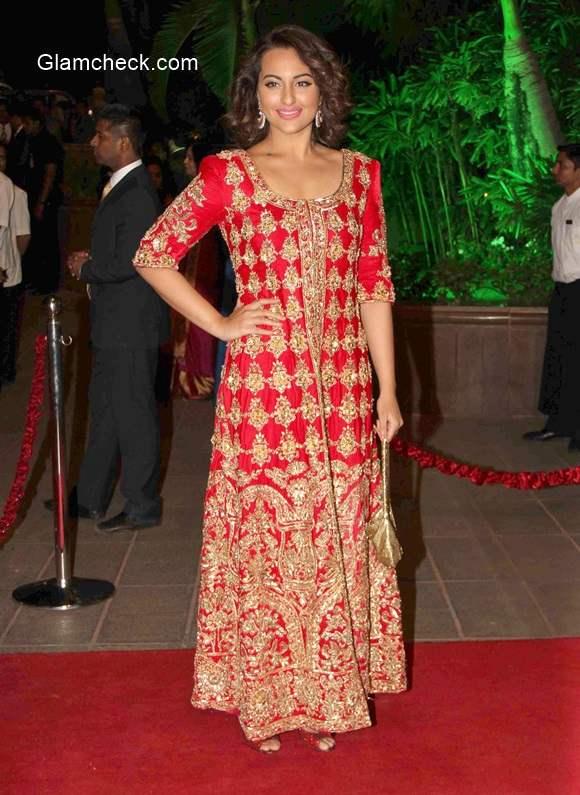 Sonakshi Sinha at Arpita Khan and Aayush Sharma Wedding Reception