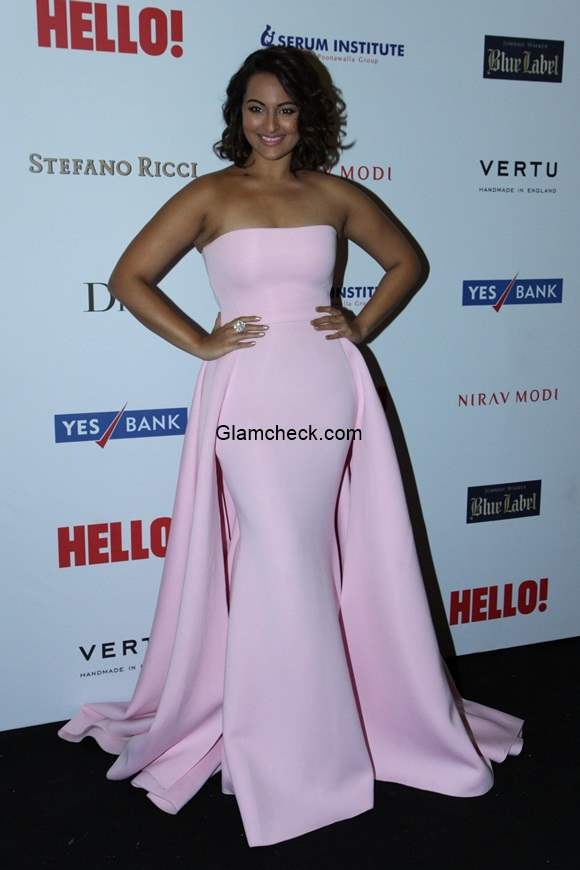 Sonakshi Sinha in Gauri Nainika gown at the Hello Hall of Fame Awards 2014