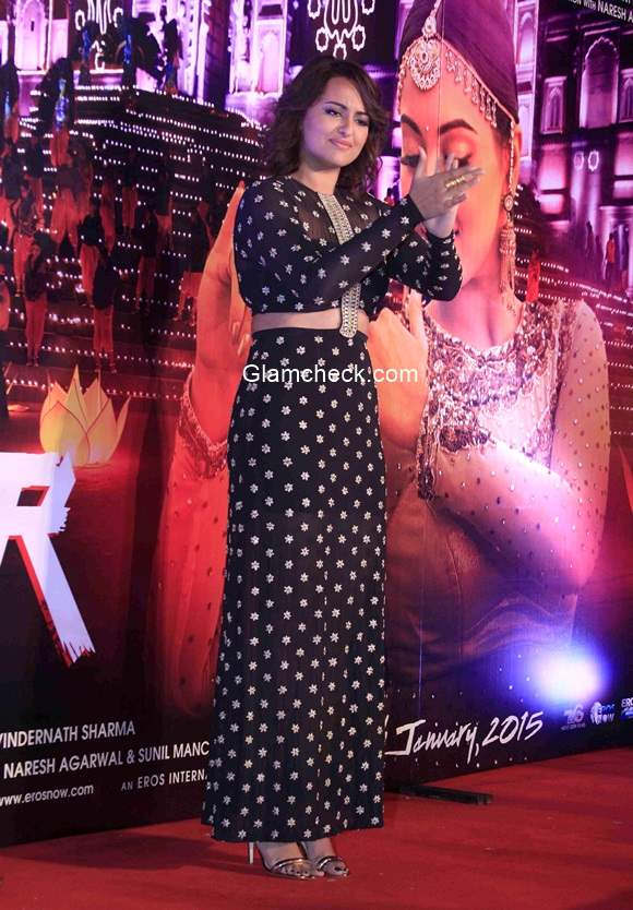 Sonakshi Sinha in Payal Singhal during the promotion of song Radha from her latest film Tevar