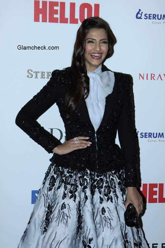 Sonam Kapoor in Ralph Russo couture at the Hello Hall of Fame Awards 2014