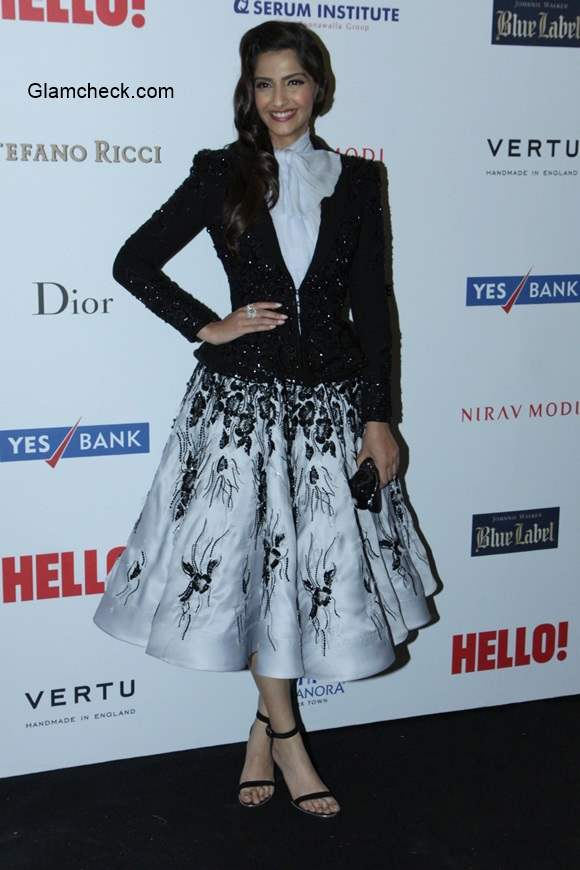 Sonam Kapoor stuns in Ralph Russo couture at the Hello Hall of Fame Awards 2014