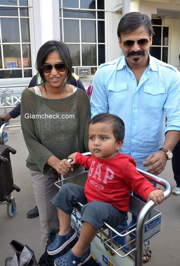 Vivek Oberoi with his family at Jodhpur Airport
