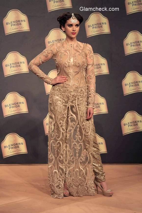 Aditi Rao Hydari for Neeta Lulla during Blenders Pride Fashion Tour 2014