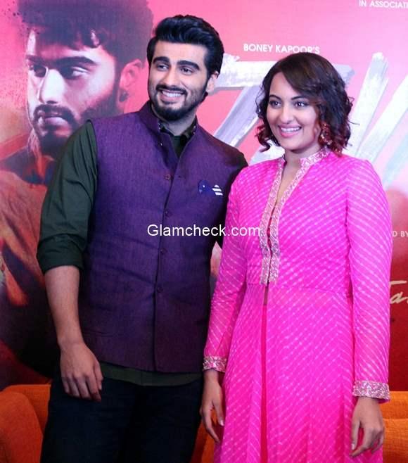 Arjun Kapoor and Sonakshi Sinha promote Tevar in Ahmedabad
