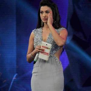 Gauhar Khan molested and slapped by a man from the audience
