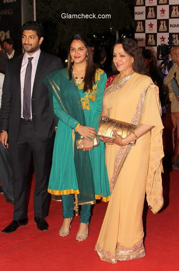 Hema Malini with her daughter Ahana Deol and son-in-law Vaibhav Vohra