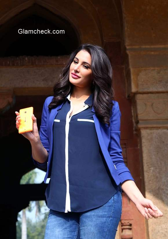 Nargis Fakhri launches Microsoft Lumia 535 campaign Romancing India with Lumia 535