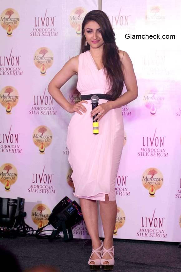 Soha Ali Khan at the launch of Livon Moroccan Silk Serum
