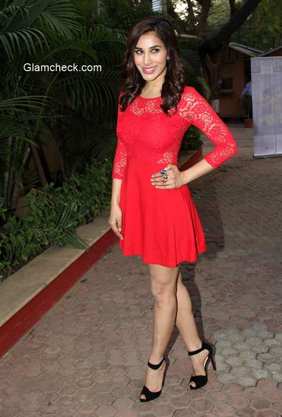 Sophie Choudry in Mumbai to announce her New Years Eve performance at Pune