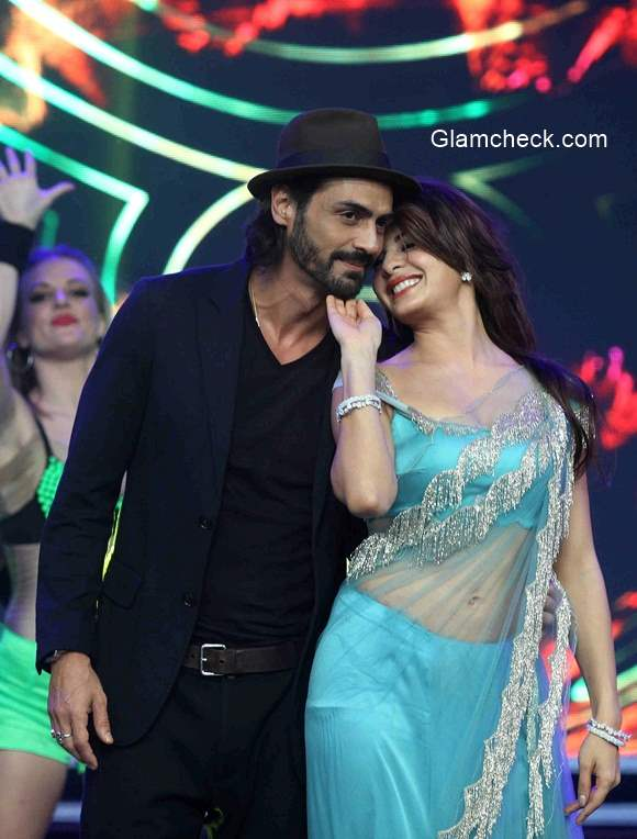 Arjun Rampal and Jacqueline Fernandez sizzles during the promotion of film Roy on the sets Big Boss Season 8
