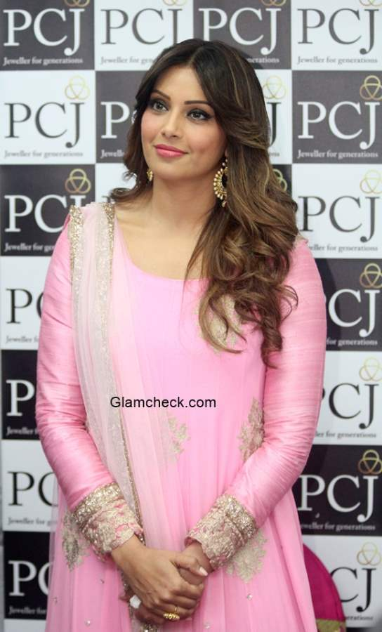 Bipasha Basu at the launch of a PC jewelers store