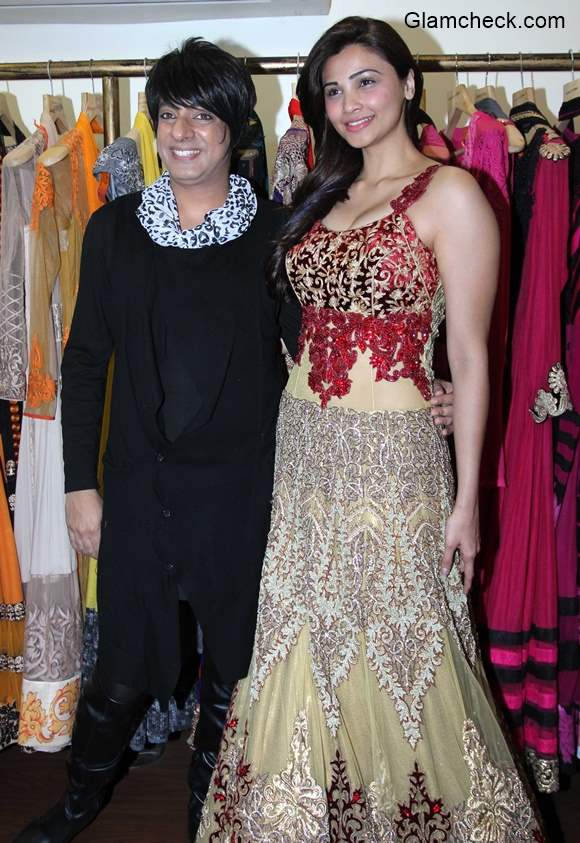 Daisy Shah at designer Rohit Verma store pics