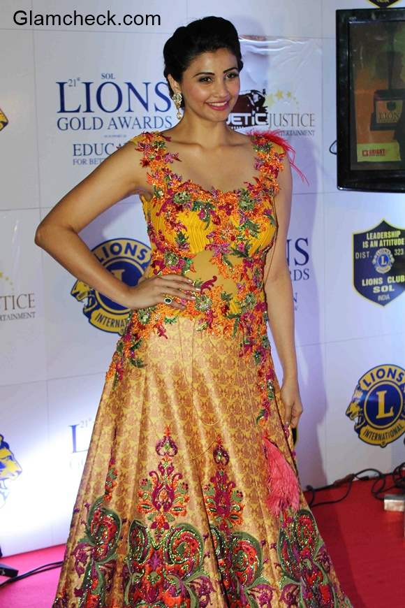 Daisy Shah in Rohit Verma outfit at the Lions Gold Awards 2015