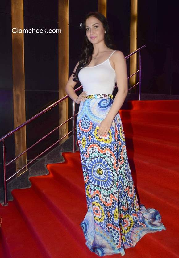 Elli Avram 2015 at the painting exhibition The Art of Extraordinary People