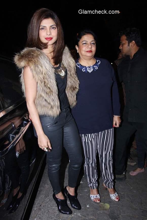 Priyanka Chopra with her mother 2015