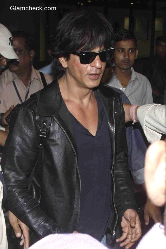Shahrukh Khan 2015 spotted with family at Mumbai airport