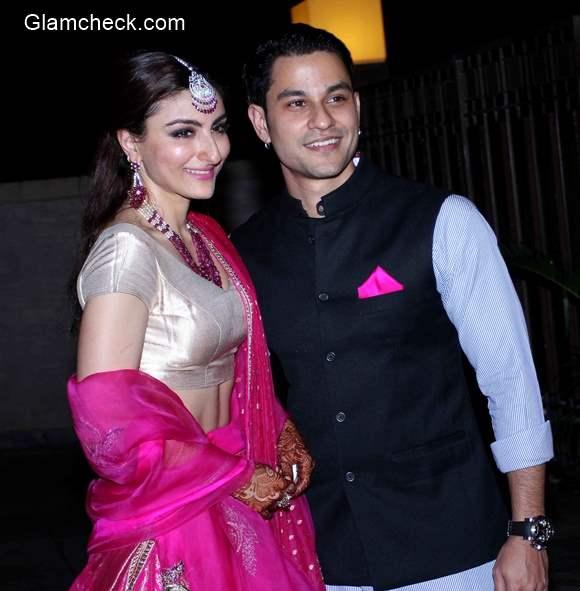 Soha Ali Khan and Kunal Khemu Wedding Reception  pics