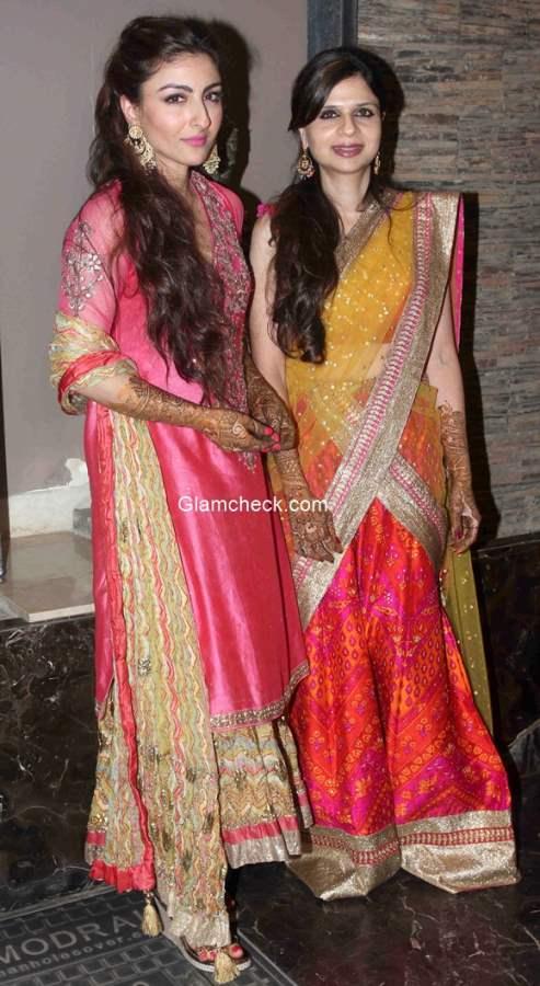 Soha Ali Khan with sister Saba Ali Khan