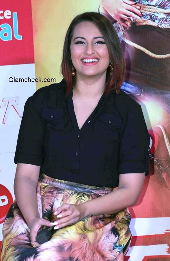 Sonakshi Sinha 2015 promotes Tevar in Nitya Bajaj