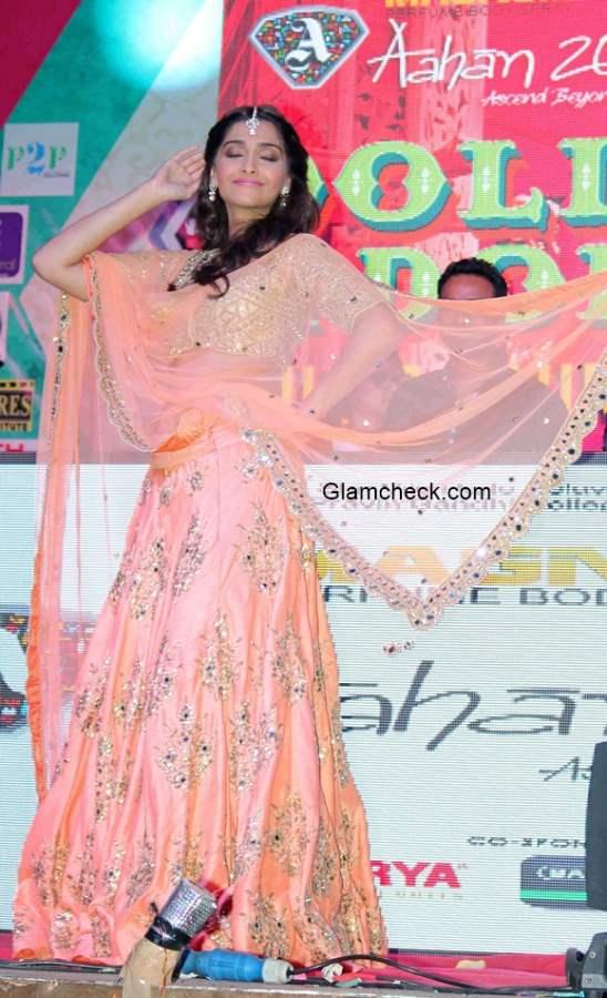 Sonam Kapoor at Music launch of film Dolly Ki Doli