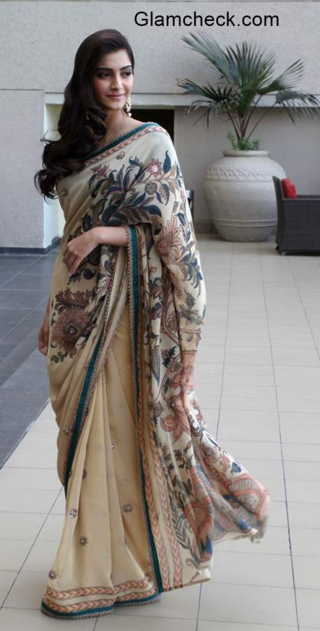 Sonam Kapoor in Anuradha Vakil Saree during the promotion of Dolly Ki Doli