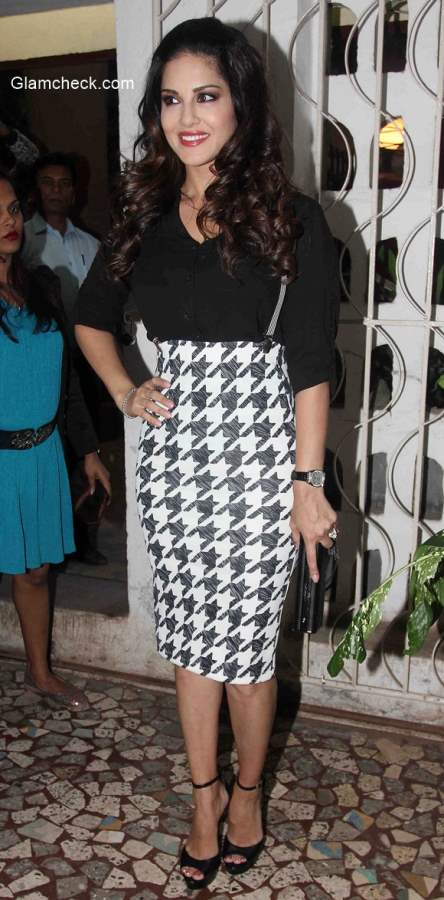 Sunny Leone at the cover launch of Mandate magazine January 2015 issue