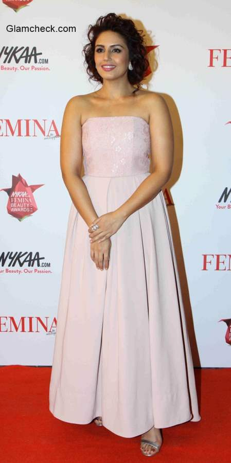 Huma Qureshi in Sonia Mehra gown
