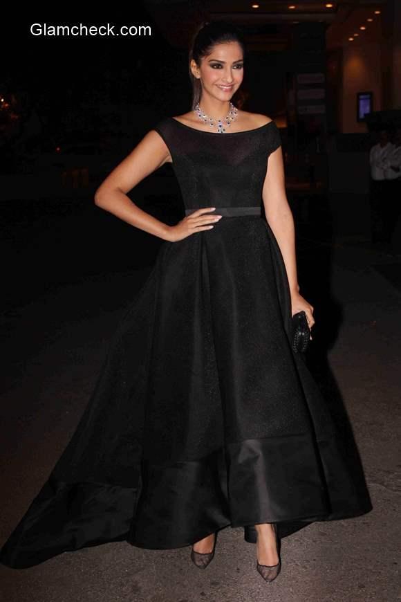 Sonam Kapoor in Ashi Studio during the launch of Dandelion bydesigner Samyukta Nair