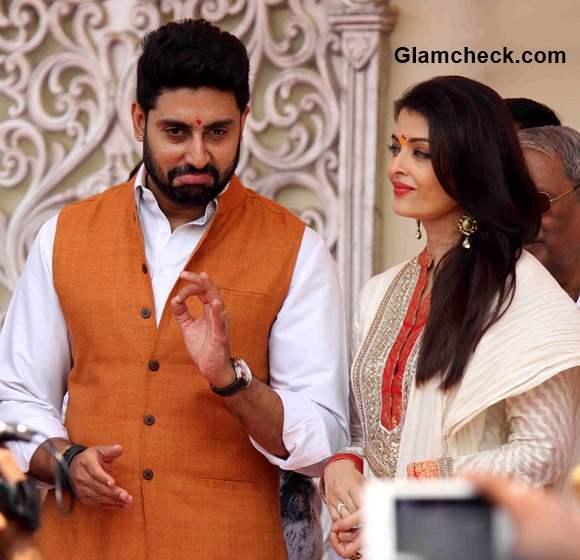 Abhishek Bachchan and Aishwarya Rai Bachchan 2015 celebrate Gudi Padwa
