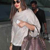 Bipasha Basu at Mumbai Airport