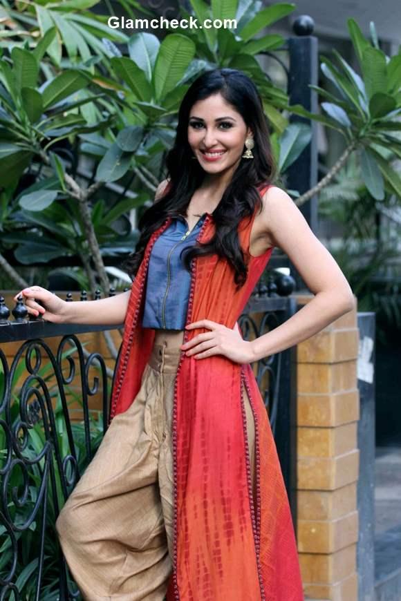 Celeb Look Inspiration –Fusion Look  Pooja Chopra