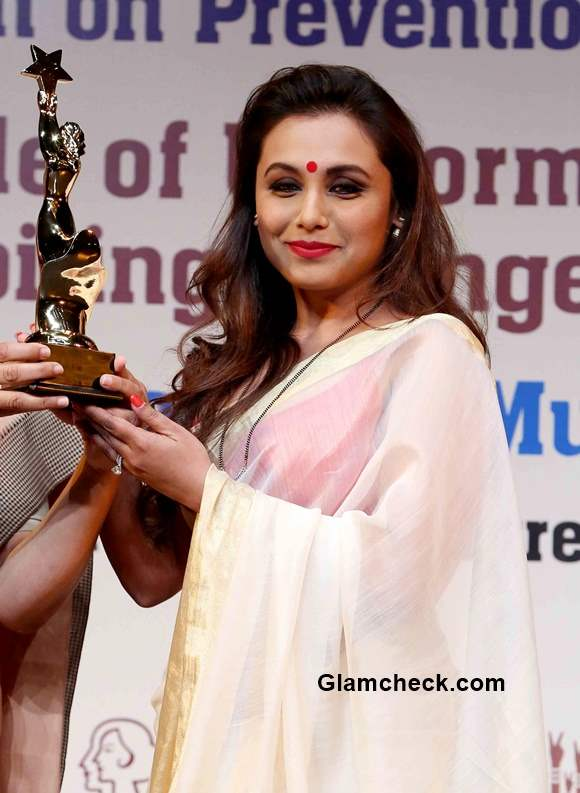 Get the look – Rani Mukherjee stunning white and gold saree number