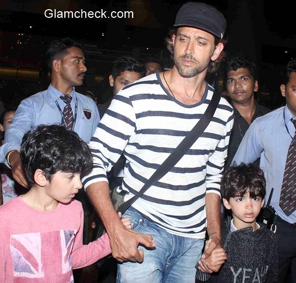 Hrithik Roshan spotted along with his sons Hrehaan and Hridhaan