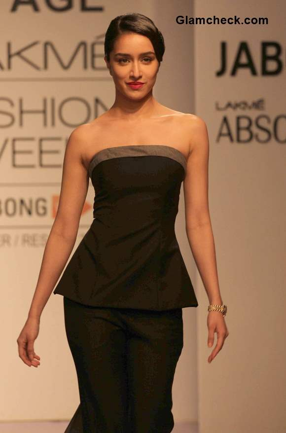 Shraddha Kapoor for the Lakme Absolute Sculpt show 2015