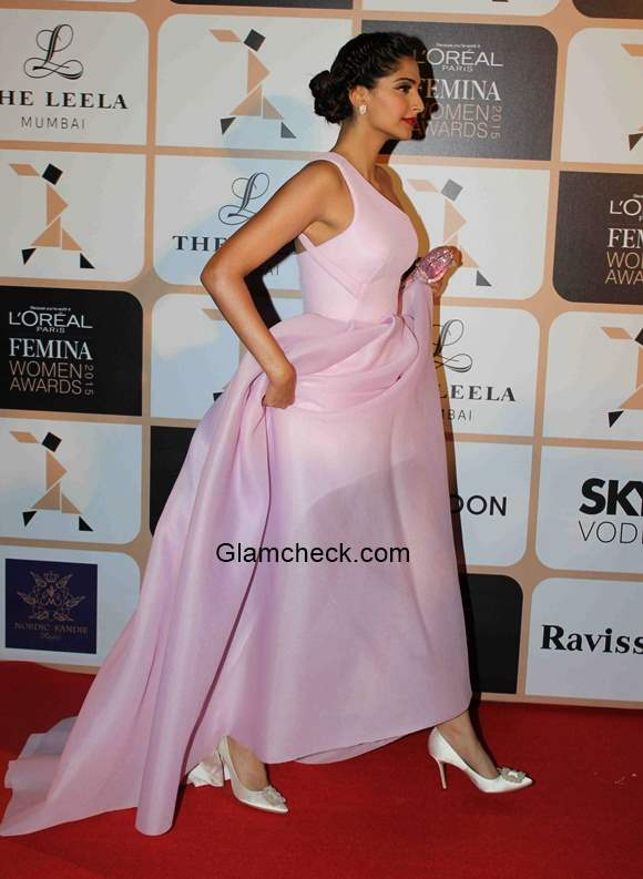 Sonam Kapoor at the LOreal Paris Femina Women Awards 2015