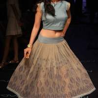Wearing Crop Top with a Skirt