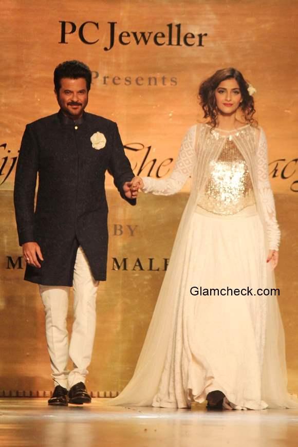 Anil Kapoor and Sonam Kapoor for Manish Malhotra Mijwan Show